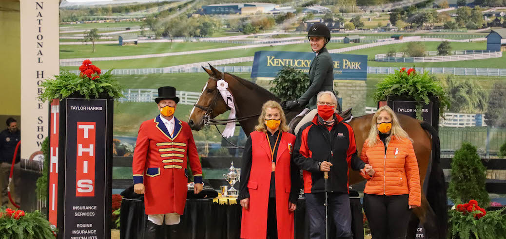 Feature web Ringmaster Adam Khensley-Jennifer Burger president of the National Horse Show_ Michael Taylor- Taylor Harris Insurance Services_Wendy Janesky-chair of the NHS ladies committee).Madison Myro and Balito 4th place, NHS 2020 copy